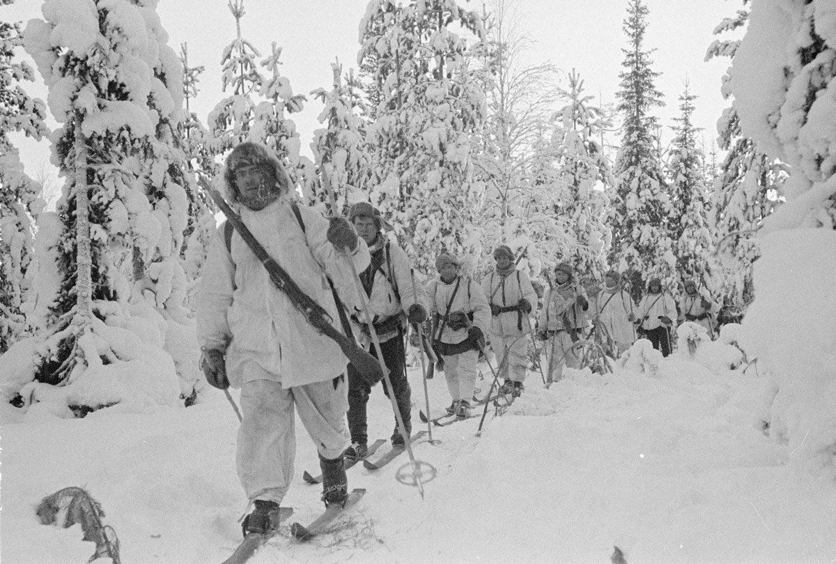 Finska vinterkriget - finska soldater på skidor